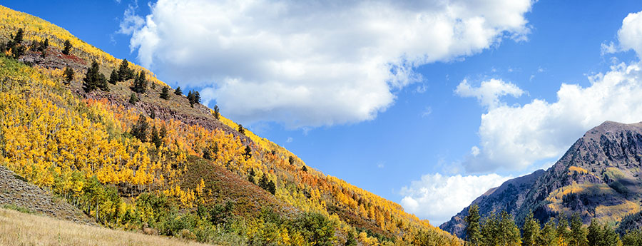 aspen, Colorado, warm, fall, day surrounded, by mountains, travel, color, mountains, in, photography,, photo